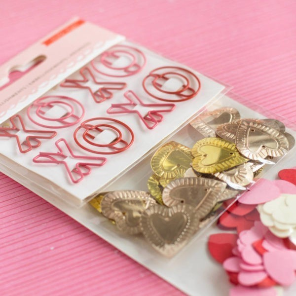 la la Love - Small Embellishment